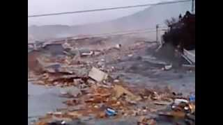 2011 Japan Tsunami: ascending the river in Kesennuma [extended]
