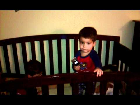 Twin Baby Dancing To Cell Phone Ringtone - YouTube