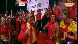 Manolo Escobar en la celebración de la Roja