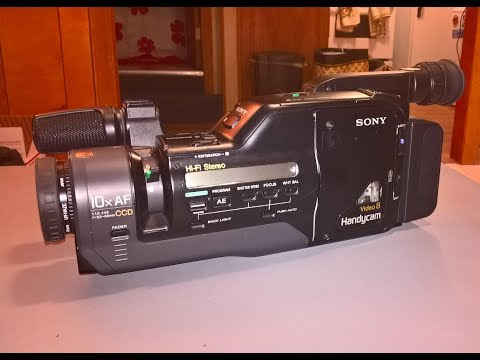 (Broken) Sony Handycam CCD-F501 Video8 camcorder (1991) (and forty 8mm tapes)