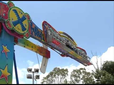Juegos Mecanicos En La Feria De Puebla 2016 Youtube