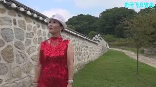 가수 최윤숙2= 인생길외 퍼레이드 남한산성왕궁앞에서 뮤…
