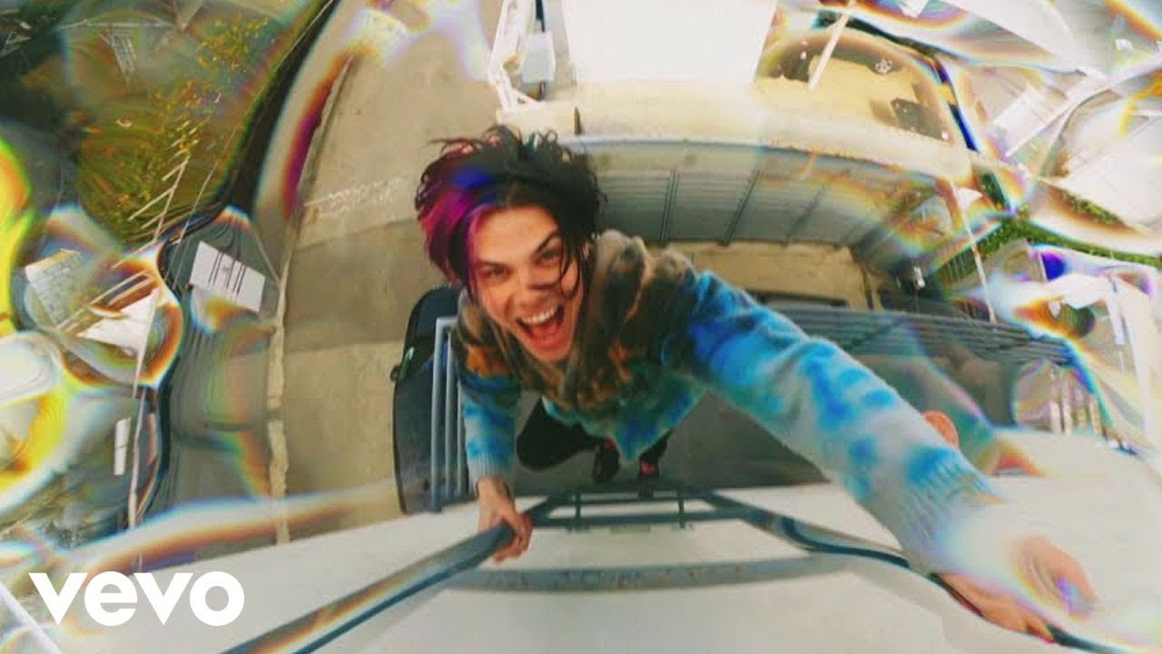 Download YUNGBLUD - weird! (Official Video)