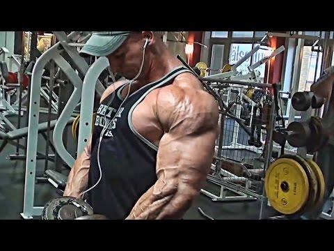 Insane looking shoulders!!!!!!