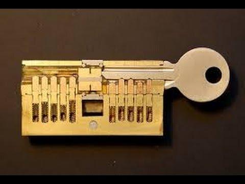 Как открыть замок без ключа (скрепкой, заколкой
