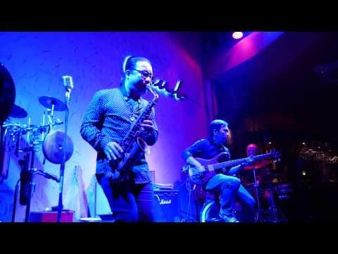 Hạ Trắng - Tran Manh Tuan plays Ha Trang at Saxnart Jazz Club