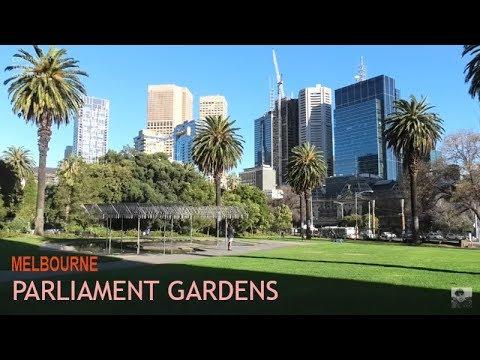 MELBOURNE CITY CENTRE PARLIAMENT GARDENS AUSTRALIA 2019