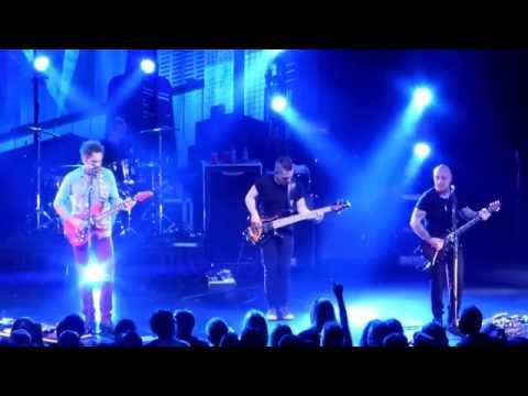 "Big Wreck ""Ghosts"" (with bass solo intro) Live Toronto October 16 2014"
