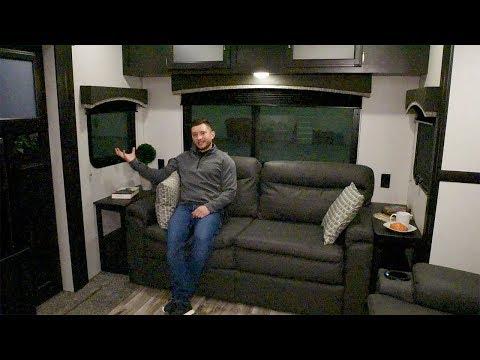 2020 Venture RV SportTrek Touring Edition STT343VIK Luxury Travel Trailer Interior