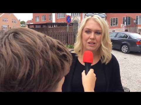 Knattereporter Wille intervjuar barnminister Lena Hallengren (S) i Almedalen