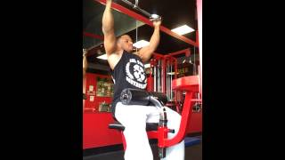 Git Swole athlete Martae Ruelas/ Wide grip pulldow