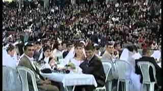 САМАЯ БОЛЬШАЯ АРМЯНСКАЯ СВАДЬБА В СТЕПАНАКЕРТЕ АРЦАХ 700 ПАР ОБВЕНЧАЛОСЬ В ОДИН ДЕНЬ В ГЛАВНОЙ Ц    Low