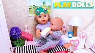 Mommy and Baby Dolls Feeding and Dress up for Morning Routine!