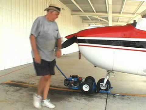 Nose-Dragger Dragger Aircraft Tug
