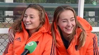 Huisgenootjes Marijn Veen En Renee Van Laarhoven Samen In Oranje