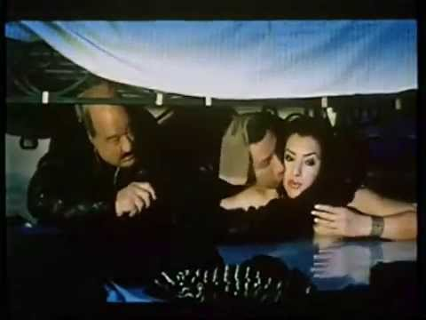 اللقطه الممنوعه من فيلم غبى منه فيه +18