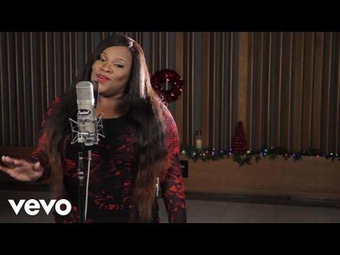 Tasha Cobbs - O Come All Ye Faithful (1 Mic 1 Take)
