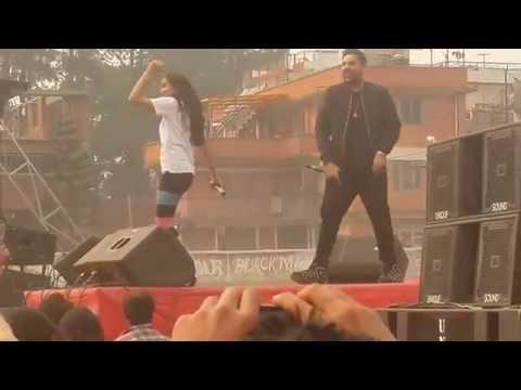 BADSHAH and AASTHA GILL live in  KTM, NEPAL  Dj wale babu and saat samundar!!
