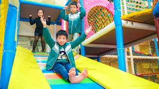 Kids Go to School Learn Colors with Fruit indoor Playground! Funny Nursery Rhymes Songs