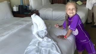 Алиса показывает как сделать крокодила ! how to make figure of towels for children !