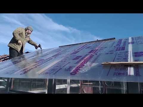 Замена стеклянной крыши теплицы на поликарбонат.