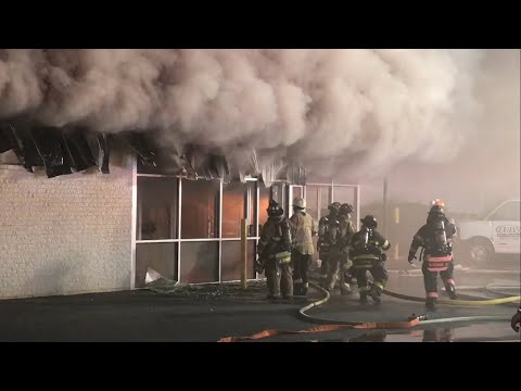 Greenfields Fire Co 3rd Alarm Commercial Building Fire W/ EVAC TONES & Air Horn 10/22/17