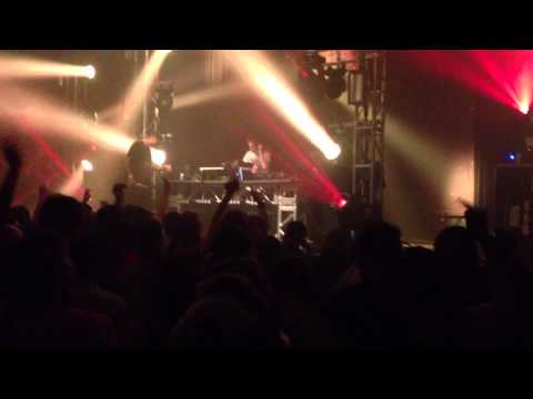High Contrast @ Bassweel - Show Me Love Remix