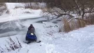 Тайга, покатушки на снегоходе, через реку на снежике, прыжки, выходные, снег, скорость