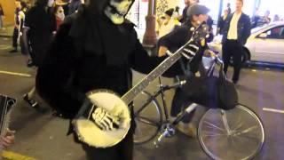 Skeleton Banjo - Dia de los Muertos 2010