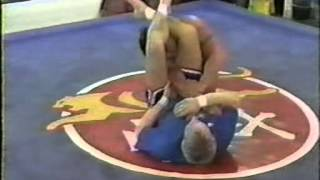 vol 3 - Armbar Attacks from the Guard Position.avi