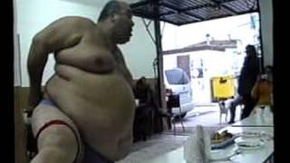 Repeat youtube video el striptis de el gordo