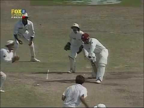 Last innings of a cricket legend. Best opening batsman of the era.