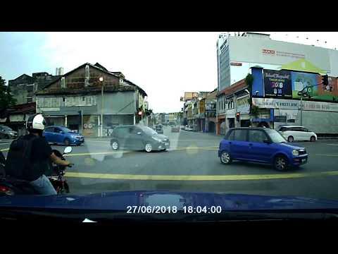Kemalangan dekat Balai Polis Kajang