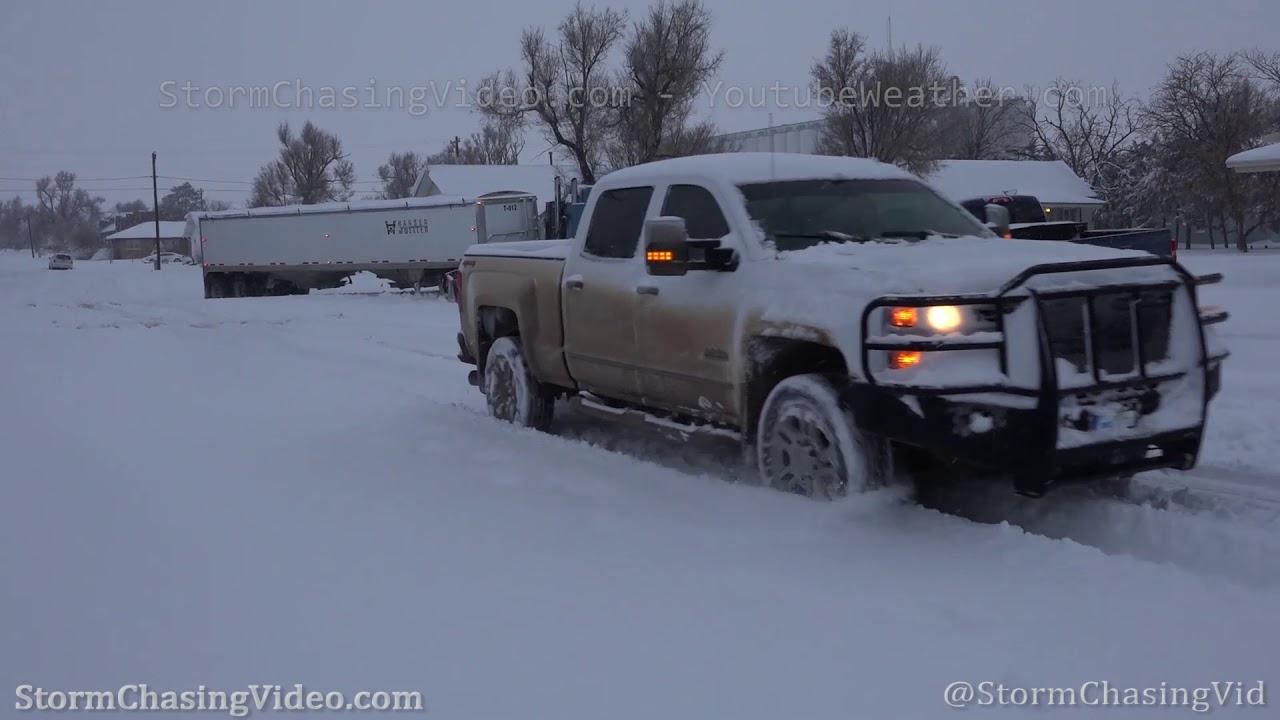 Winter storm and heavy snow slams Kansas - 1/28/2020 - YouTube