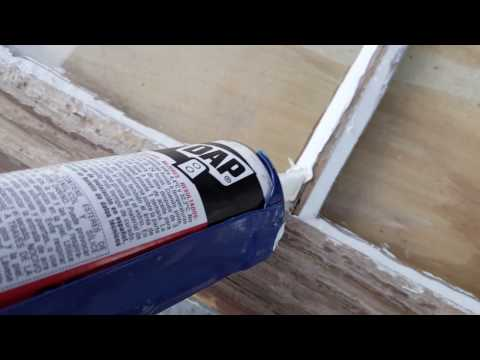 How to replace the broken glass of old windows