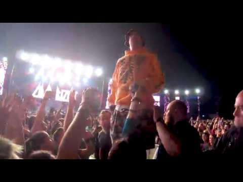 Limp Bizkit  2019 at Electric Castle Fred Durst jumping into crowd
