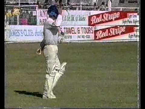 CURTLY AMBROSE vs MIKE ATHERTON all 17 test dismissals in order!