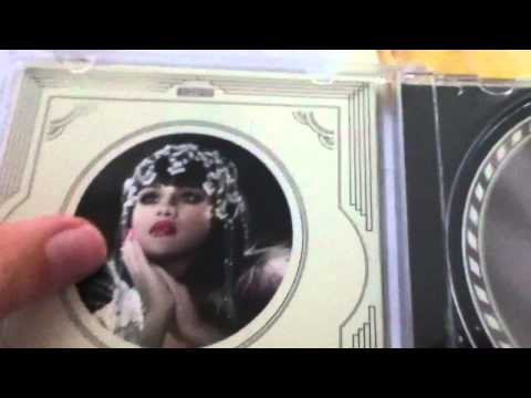 Selena Gomez & The Scene - When The Sun Goes Down Unboxing