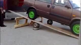 [video hài] cách lùi xe bá đạo (The Car Comes Down While Loading)