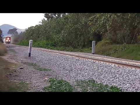 Ferromex  Run very very very fast! 82km/h ES44AC 4672