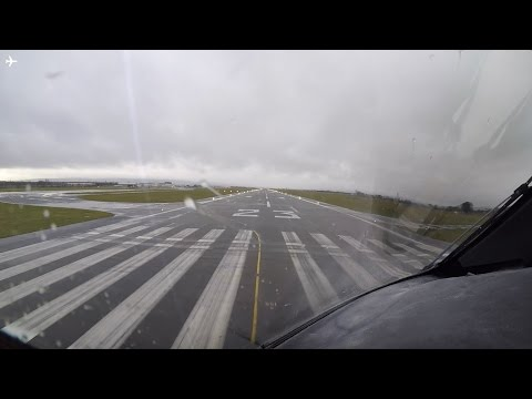 787-8 Dreamliner Cockpit View Takeoff from Glasgow Airport, Scotland