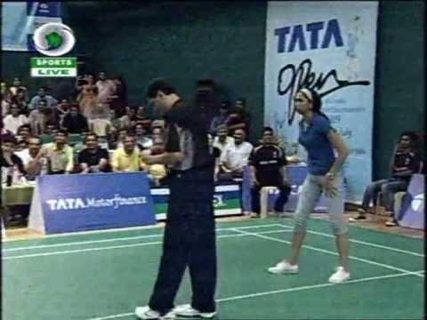 Deepika Padukone Vs  Aamir Khan Badminton Match