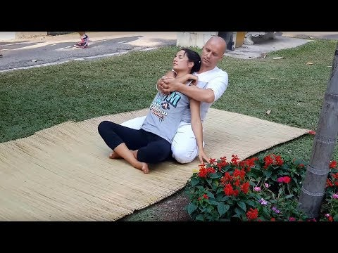yoga-stretch-massage