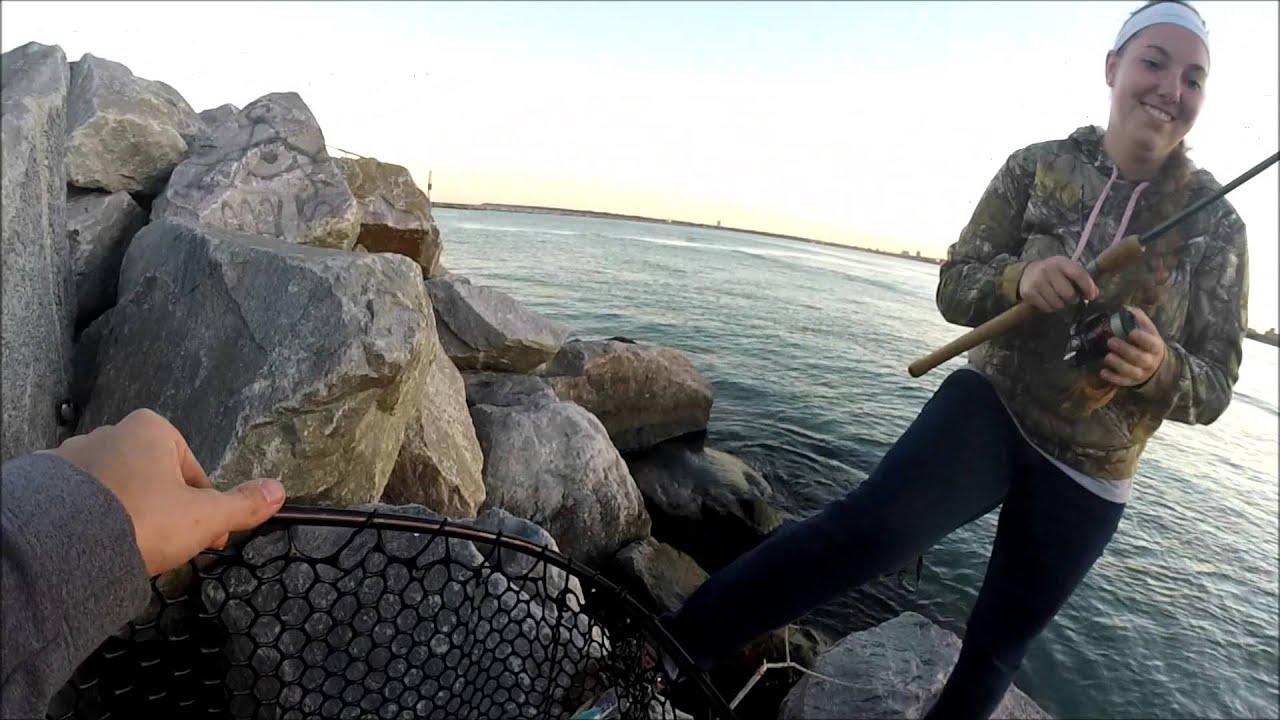 Salmon fishing milwaukee harbor youtube for Milwaukee harbor fishing report