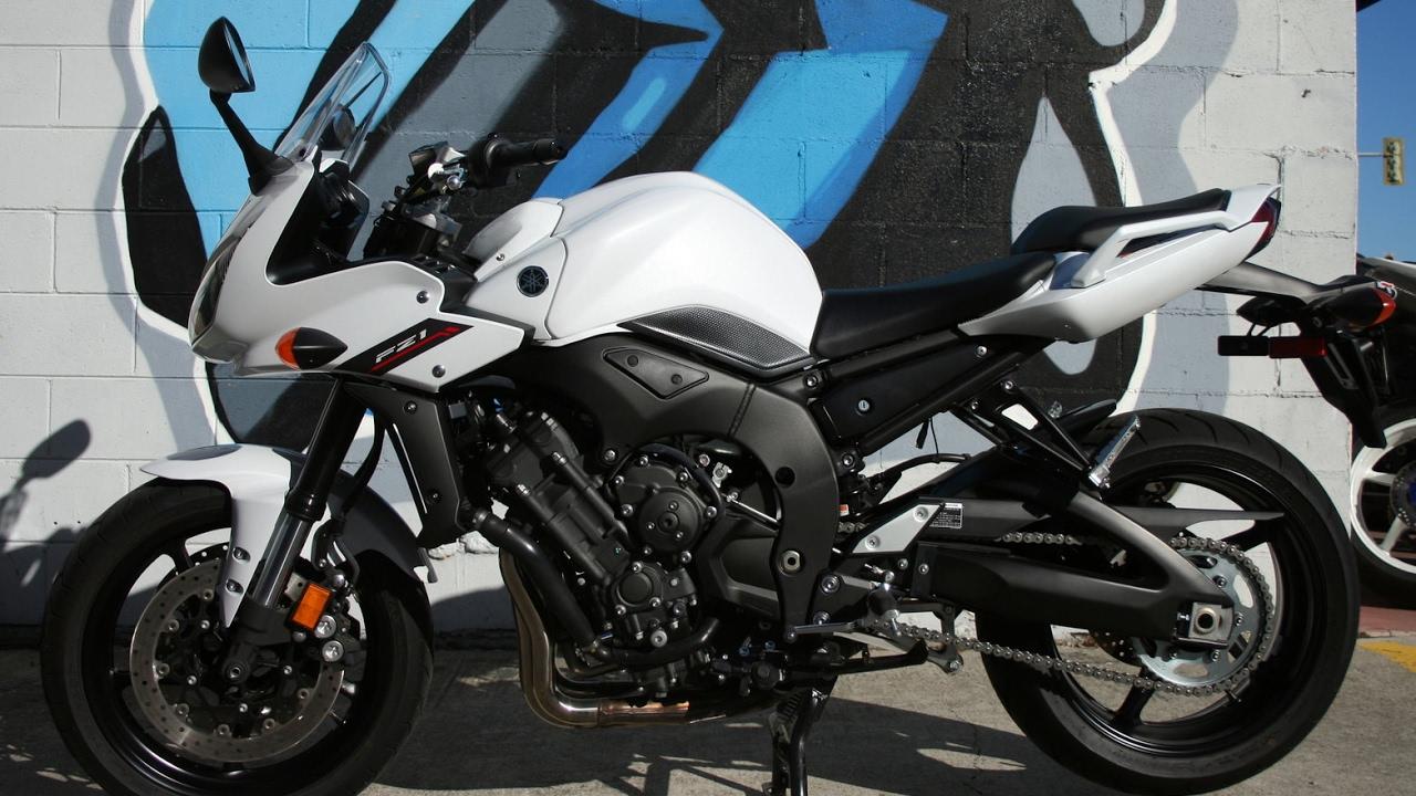 2014 Yamaha FZ1 ... Sounds Sweet w Yoshimura Exhaust! - YouTube