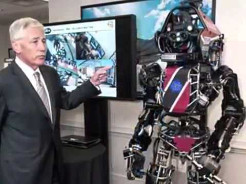 Pentagon scientists show off life size robot