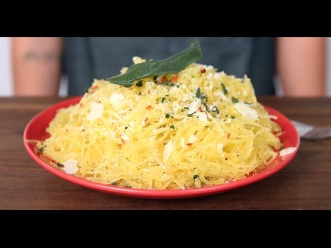 How to Cook Spaghetti Squash in the Microwave | Eat the Trend