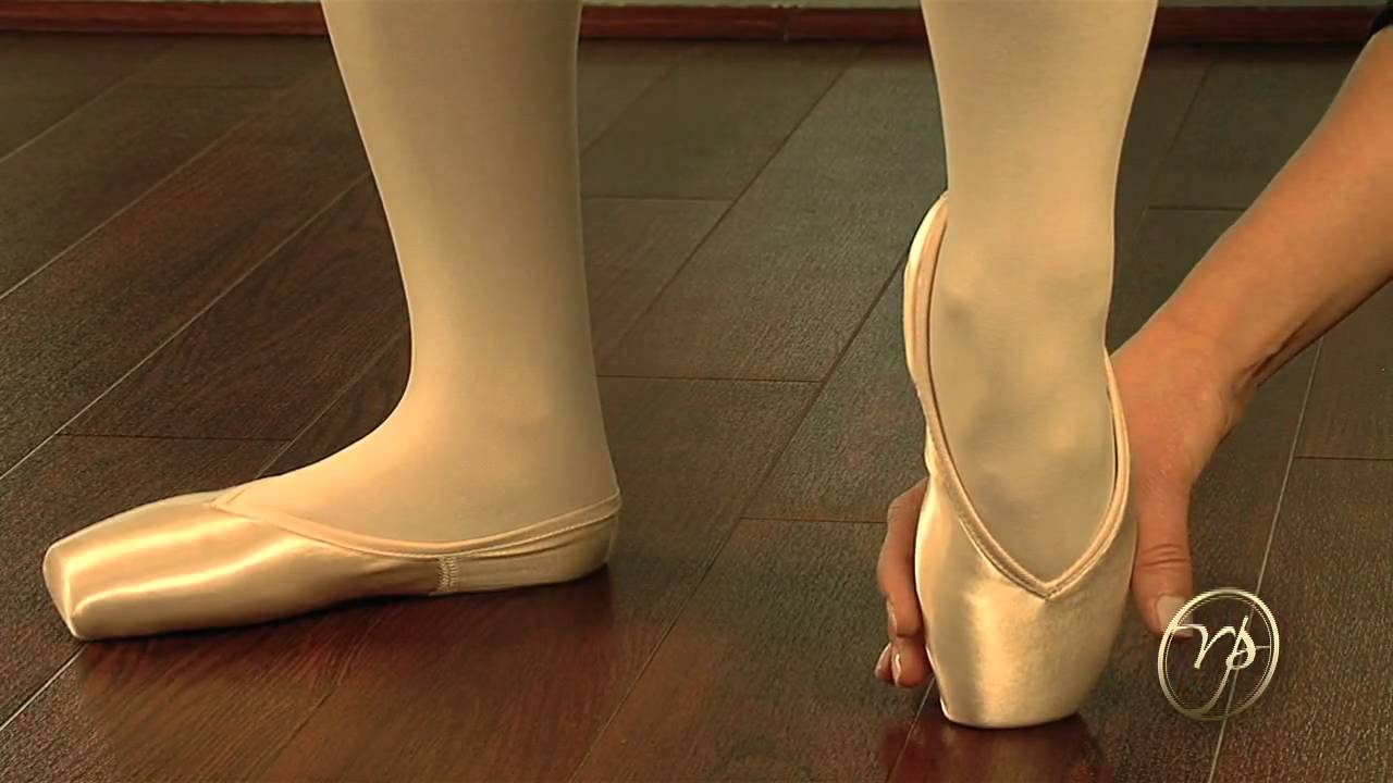 Fitting Pointe shoes with Russian