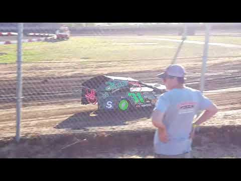 6/1/18, #31 IMCA Modified Fast Friday Qualifying at Willamette Speedway - Loren Kruesi