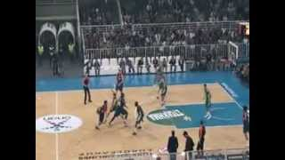 Panathinaikos-Barcelona 65-63 amazing alley oop live  OAKA.25.000 crazy fans